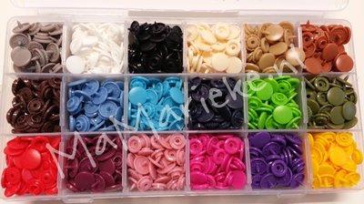 Kamsnaps tang met doos, 450 drukkertjes, 18 kleuren mat